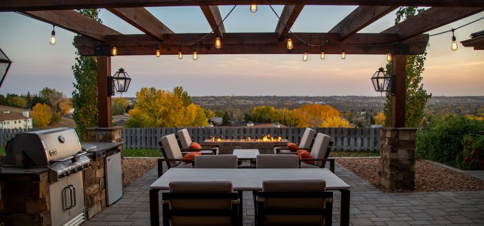 10 Tips for Entertaining Safely This Summer